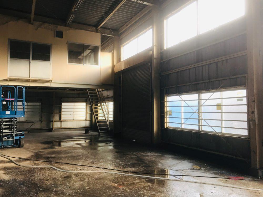 横浜支店 改修工事を始めました。